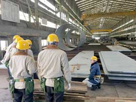 橋梁製作会社の工場見学